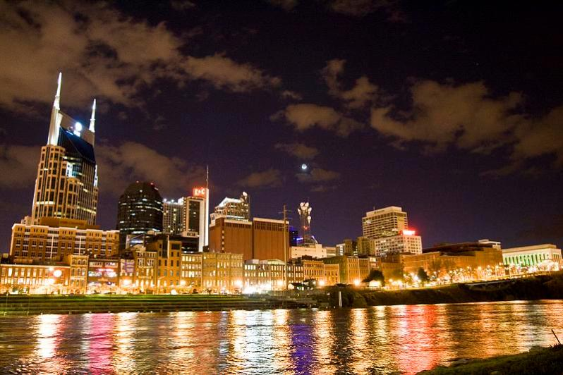 Nashville_skyline_before_earth_hour