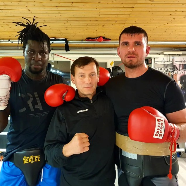 "Sparring mit Collins Ojal ""The African Lion"""