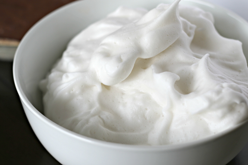 Vegan Whipped Cream: Two Healthy Recipes!