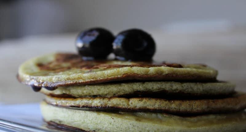 2 Ingredient Banana and Egg Pancakes