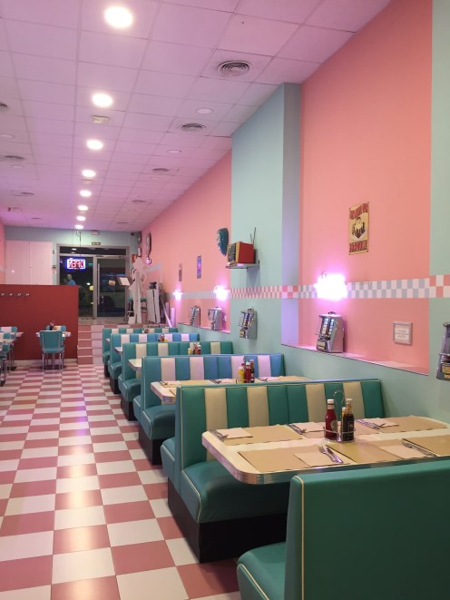 Peggy Sue's couldn't be more 1950s America