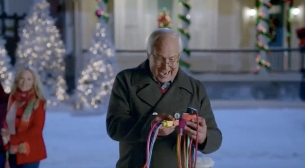 "Chevy Chase reprises Griswold's Christmas ""Vacation"" for Old Navy"