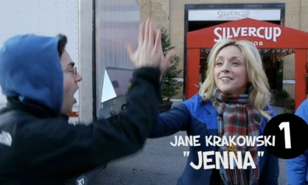 "Geeking Out: The ""30 Rock"" High-Five Challenge"