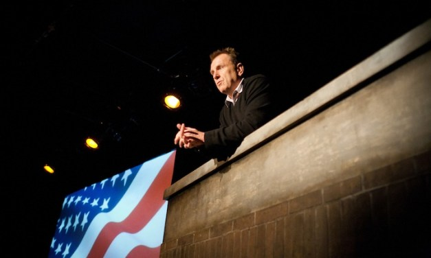 "Review: Colin Quinn, ""Unconstitutional,"" at Barrow Street Theatre"