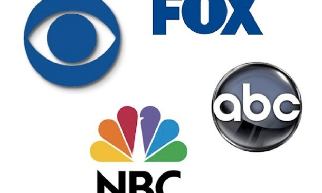 Flying a holding pattern: Multiple sitcom pilots still up in the air for network schedules in 2014