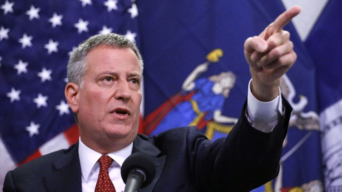Weird But True: NYC Mayor Bill de Blasio delivers dramatic reading of The Onion's article about his blizzard declaration