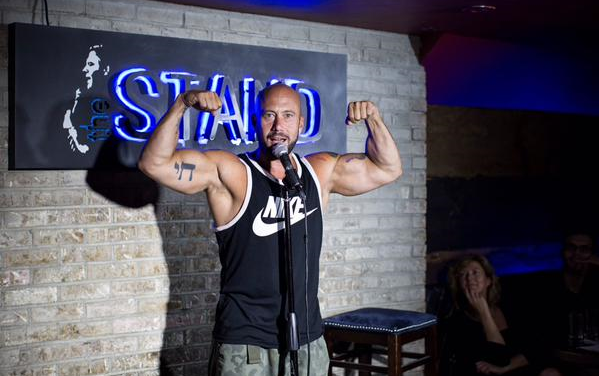 Aaron Berg, Jessica Delfino set out to break Steve Byrne's record for stand-up comedy sets in one night