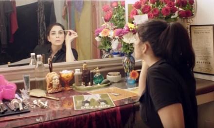 Sarah Silverman parodies pre-show rituals