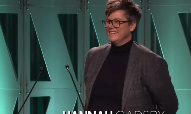 "Hannah Gadsby addresses ""the good men"" at the 2018 Women in Entertainment Gala"
