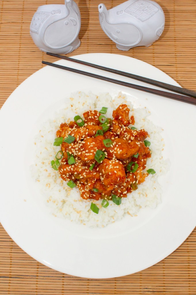 Quick Honey Sesame Chicken is a super quick, Asian inspired meal that the whole family will love and can be on the table in less than 30 minutes ~ The Complete Savorist by Michelle De La Cerda