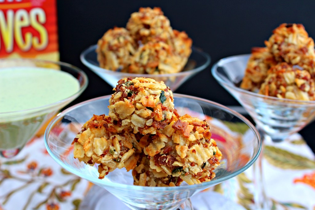 Cracker Chicken Bites ~ The Complete Savorist #BigGameSnacks #Ad @Walmart