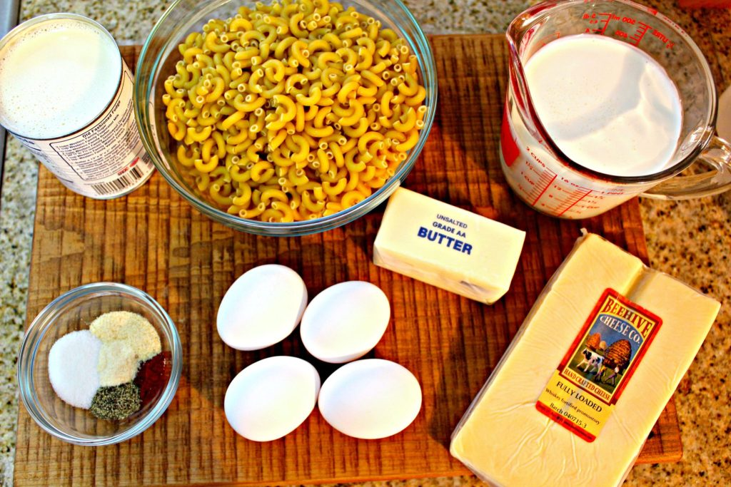 Whiskey Macaroni and Cheese ~ Twist on the classic macaroni cheese by using whiskey fortified cheddar and made in a slow cooker ~ The Complete Savorist