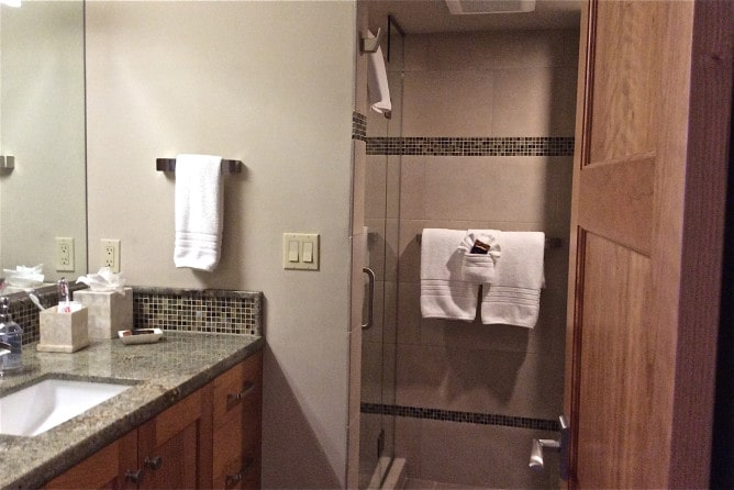 Papakea Resort L303 one of 2 ensuite bathrooms