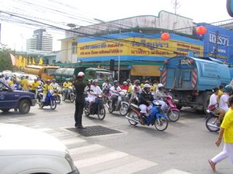 ...and the traffic was soon back to its chaotic normality