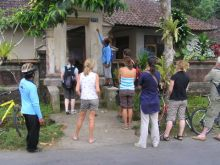 Guide Gede explains Balinese house numbering