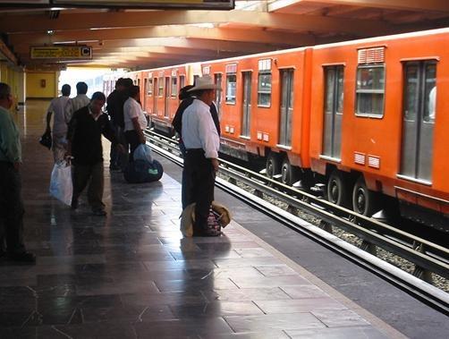 NM-73 in Mexico City metro
