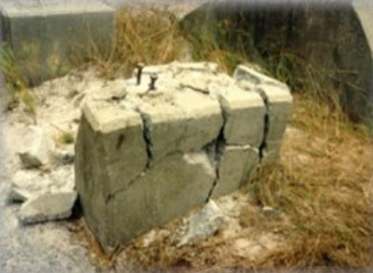 Chemical Fissures Method for Rock Breaking