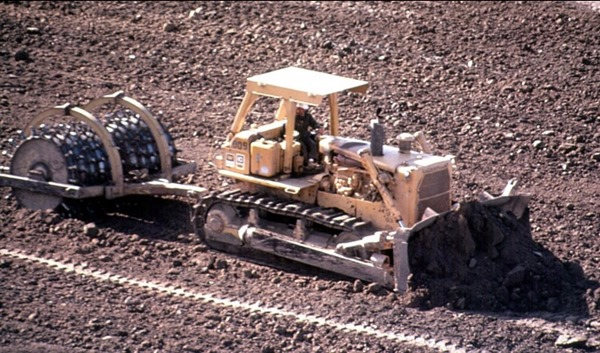 Sheep foot Roller Compacting Equipment