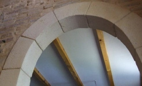 Precast concrete block arches