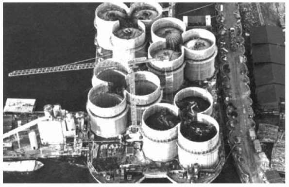 Offshore Structure Construction on Submersible Barges