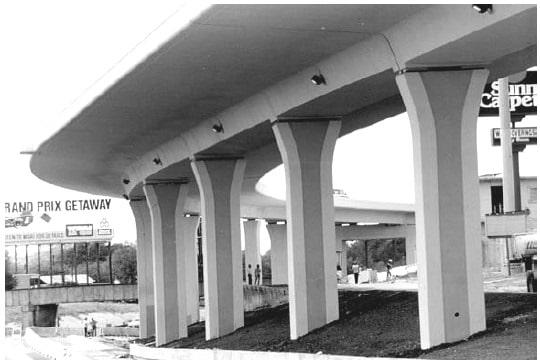 San Antonio Y Bridge, Subtly Shaped Pier