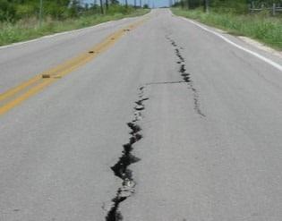 Longitudinal Cracks in Asphalt Flexible Pavement