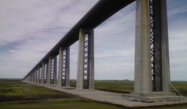 Methods of Bridge Column Casing