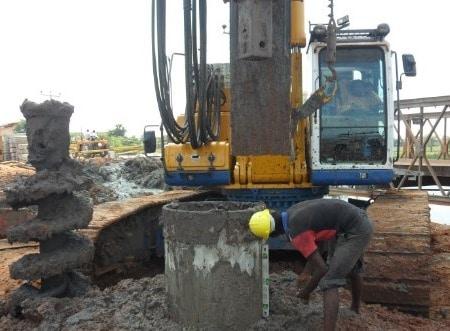 Utilization of casing in loose soil