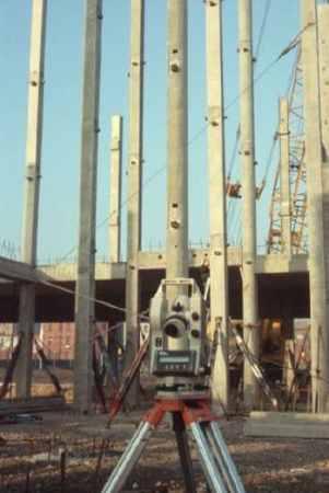 Install Precast Concrete Columns