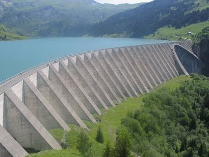 Uses of Concrete in Dams