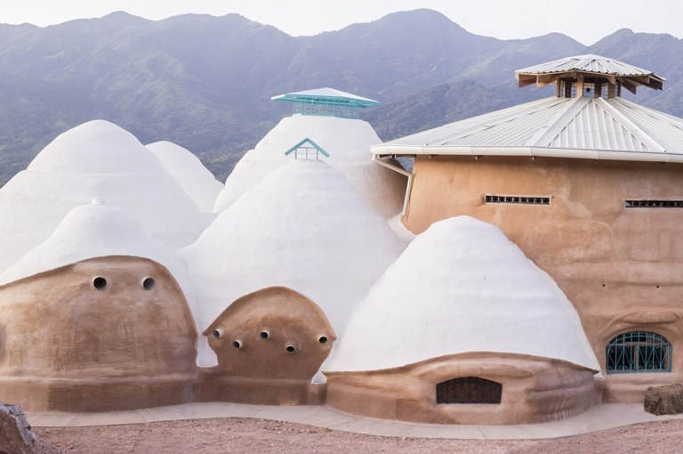 SuperAdobe – History, Construction, and Advantages