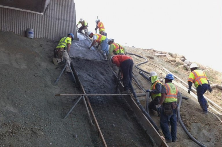 How to Pour Concrete on a Sloped Surface? [PDF]