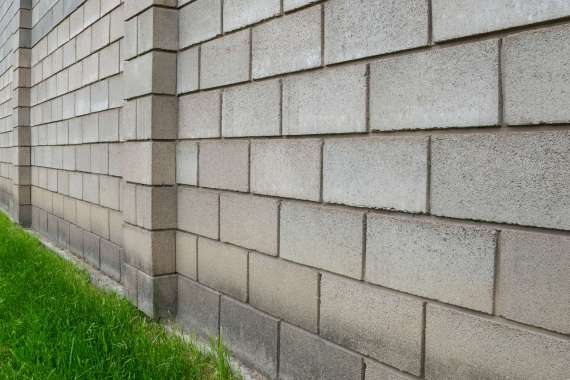 How to construct a cinder block wall