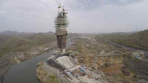 Construction sequence process of statue of unity