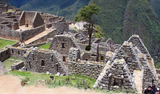 Wall construction of Machu Picchu buildings