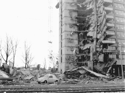 Collapse of the 2000 Commonwealth Avenue occurred due to the development of punching shear mechanism around column.