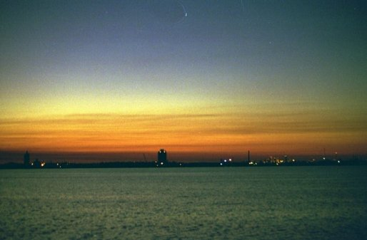 Sunset 4, Lake Charles, LA (copyright: Laurie Snyder, 1999)