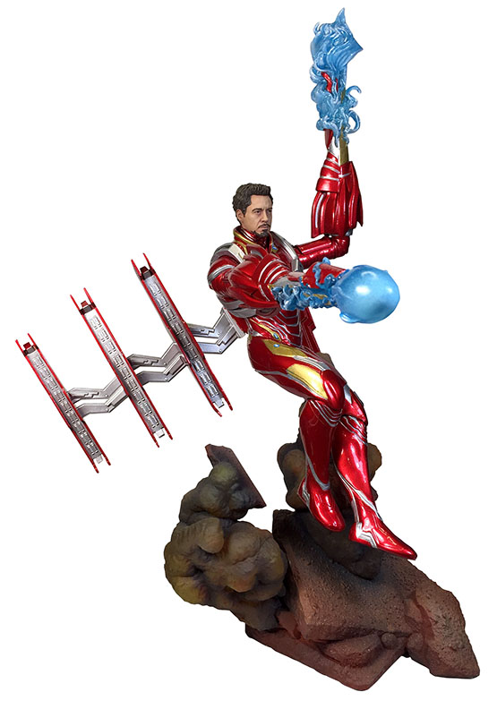 Diamond Select Toys Marvel Movie Gallery Iron Man MK50 Unmasked PVC Diorama