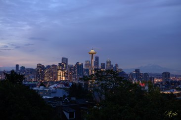 The classic Kerry Park skyline view in dawn with Mt. Rainier in the background