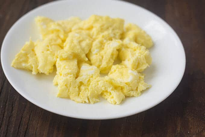 the best way to make scrambled eggs a
