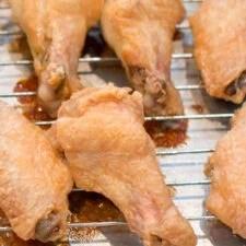 bake chicken wings that are sooo crispy