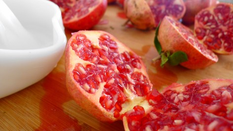 Juicing Pomegranate