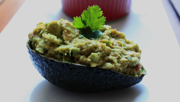Best Guacamole Recipe with Simple Instructions and Ingredients