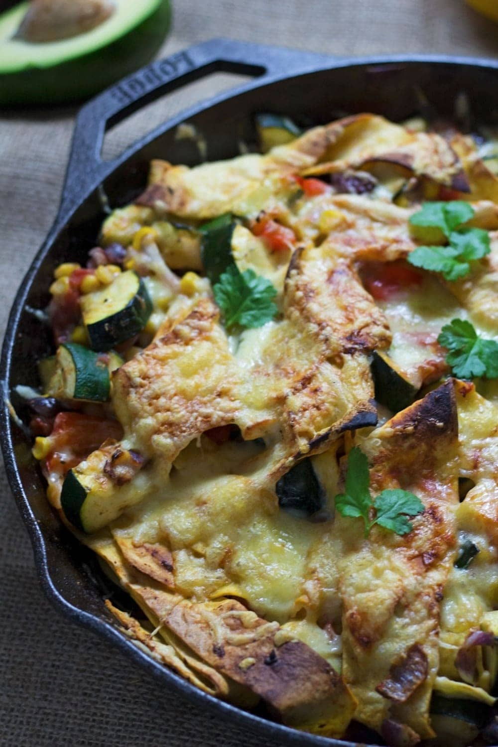 This veggie enchilada skillet is super healthy and full of spicy Mexican flavours! Perfect for a weeknight vegetarian dinner and great for leftovers too.