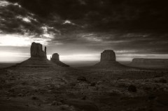 monument valley, bw