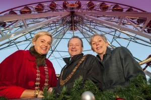 REPRO FREE Pictured at the official launch of Glow, A Cork Christmas Celebration at Bishop Lucey Park are Cork Business Association President Claire Nash; The Lord Mayor of Cork, Cllr Chris O Leary and Ann Doherty, CEO Cork City Council. Visit Cork City for Glow A Cork Christmas Celebration, presented by Cork City Council until December 20, 2015.  ThereÕs something for everyone; wander through ÔSantaÕs WorkshopÕ and see his elves at work in Bishop Lucey Park, take a ride on a 30 metre Ferris Wheel or vintage carousel and savour the flavour of Cork at a festive food market.  A glowing Cork welcome awaits you, with entertainment galore, fantastic shopping and amazing food.  See www.glowcork.com for more. Picture. John Allen