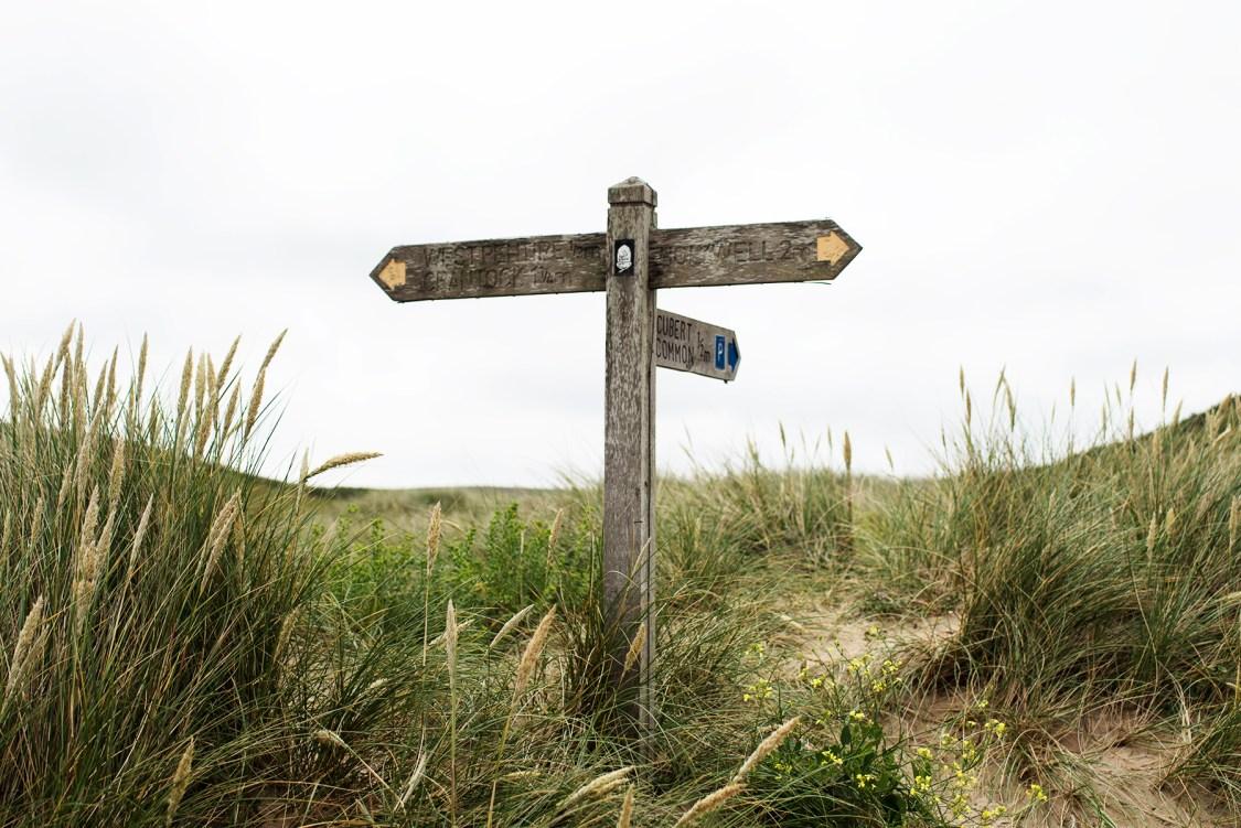 Signpost at Polly Joke, near Newquay | The Cornish Dog