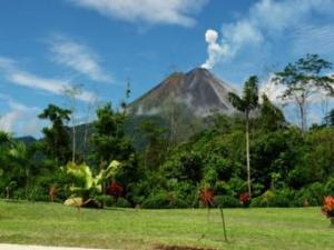 461_Volcano_View_from_Arenal_Manoa_340x255