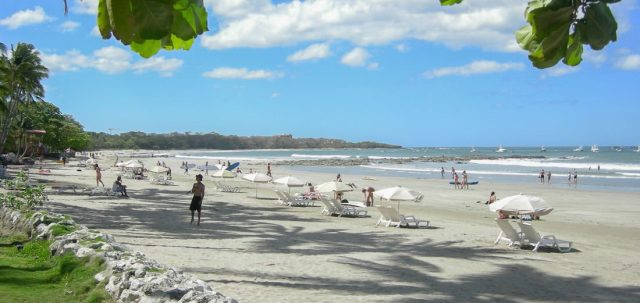 It is one of the favorite beaches in the Playa Langosta community.
