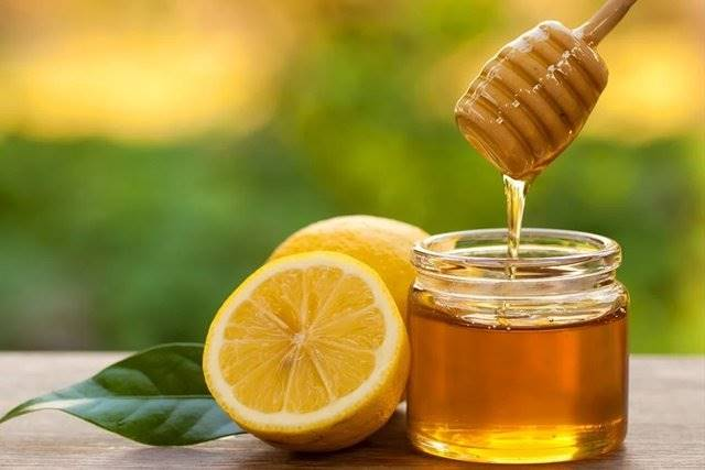 Honey can be combined with many other natural products such as lemons. Honey can be combined with many other natural products.